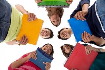 estudiantes en grupo